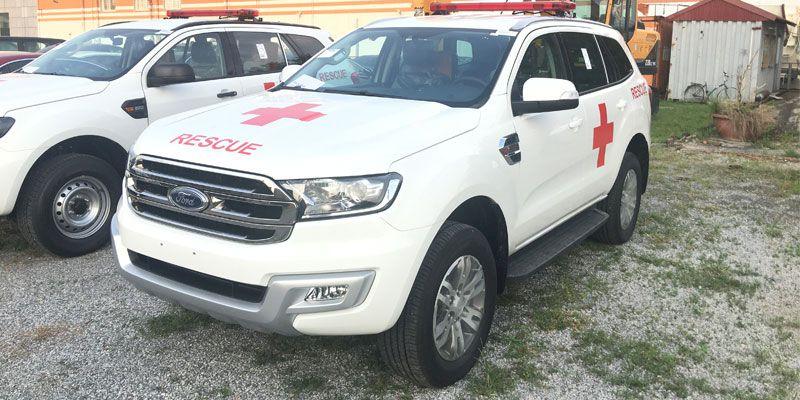 Xe ô tô cứu thương Ford Everest