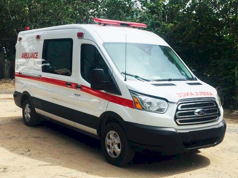 Những hình ảnh đầu tiên về chiếc xe cứu thương Việt Hương tặng Ông Đoàn Ngọc Hải